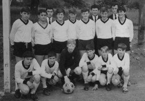 Reiner (ganz rechts unten) in der A-Jugend 1967