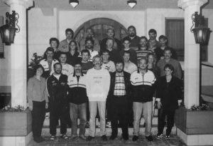 JSG-Verantwortliche mit Hans-Peter (vordere Reihe, 3. v. l.) und Reiner (zweite Reihe von vorn, ganz links), 1998
