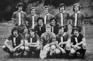 Hans-Peter (mitte links) in der Meistermannschaft 1975