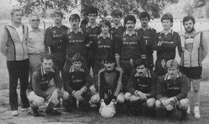 Hans-Peter (stehend 4. v. r.) mit der Meistermannschaft 1984