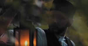 Thomas spielt einen Sympathiedoktor um 1850 im gleichnamigen Kurzfilm (Quelle: YouTube)